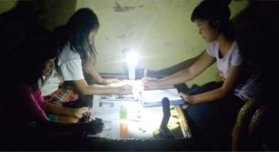 lampu-pelajar-tenaga-surya- 1 watt